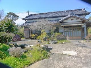 和風平屋建て中古住宅(池付き)
